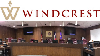 City-of-Windcrest-logo-and-city-council-chambers